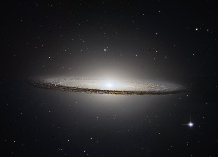 M104 - The Sombrero Galaxy - Hubble Legacy Archive